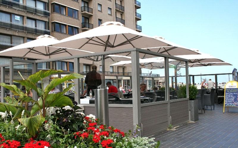 parasols professionnels pour terrasse en stock solero. Black Bedroom Furniture Sets. Home Design Ideas